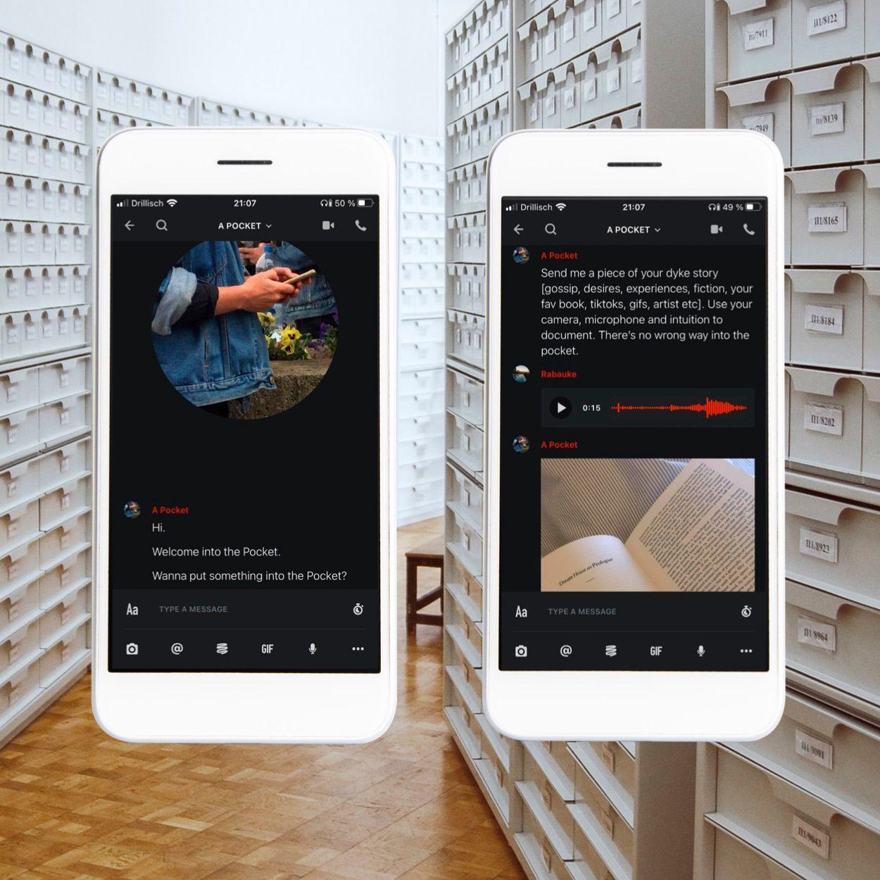 Eine:r sieht eine Foto-Collage. Im Hintergrund ist ein Flur eines Archivs mit Regalen zu sehen. Im Vordergrund gibt es zweimal ein Smartphone, auf dem Nachrichten und Bilder angezeigt werden.